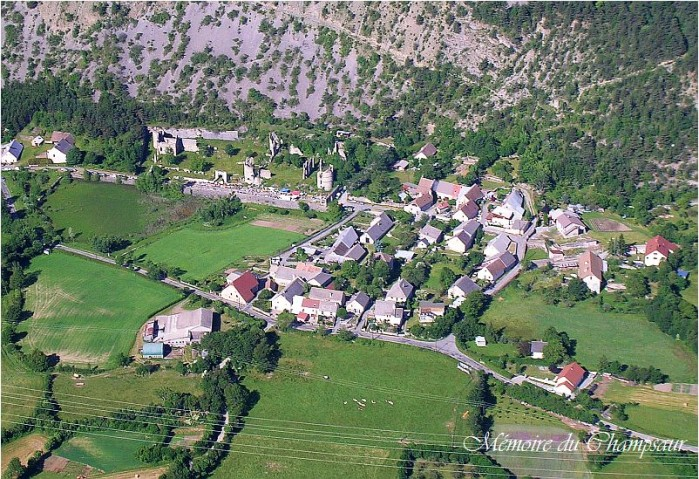 photo-aerienne-chateau-Lesdiguieres1