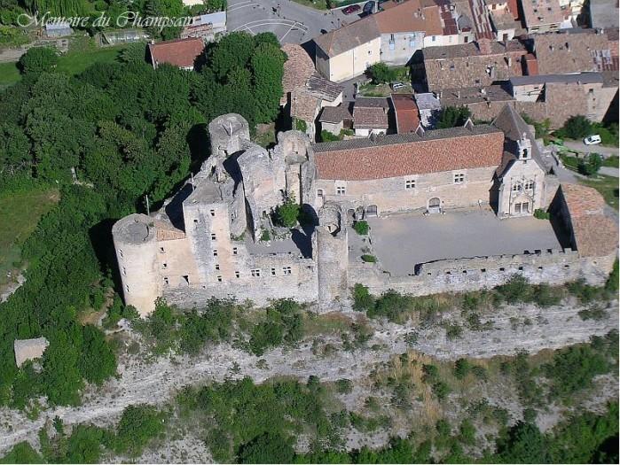 vue-aerienne-Chateau-de-Tallard