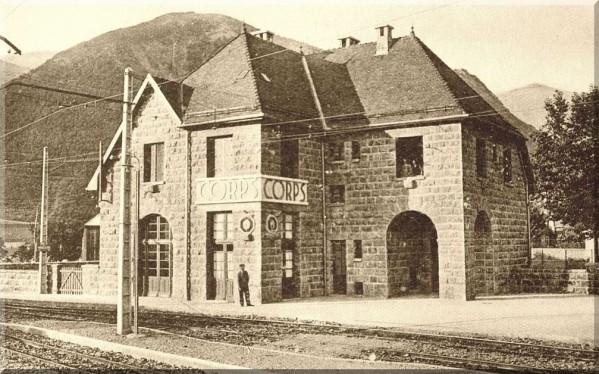La-gare-SNCF-de-Corps