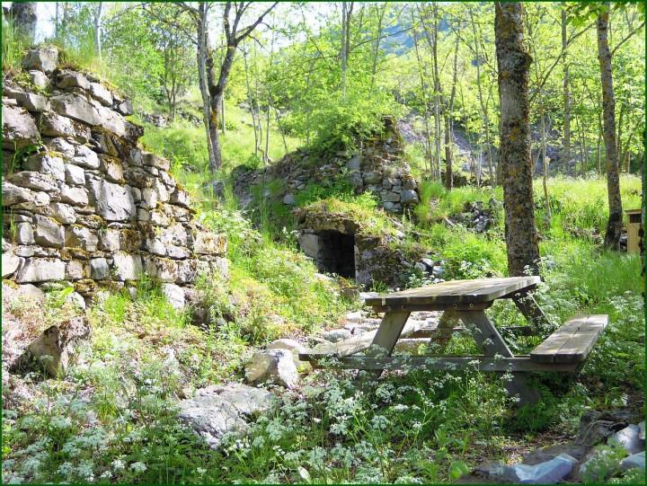 ruines Aspres les Corps
